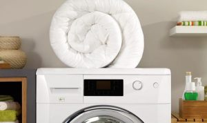'It works!' Mrs Hinch fans share how to clean duvet covers at home without washing machine - Express